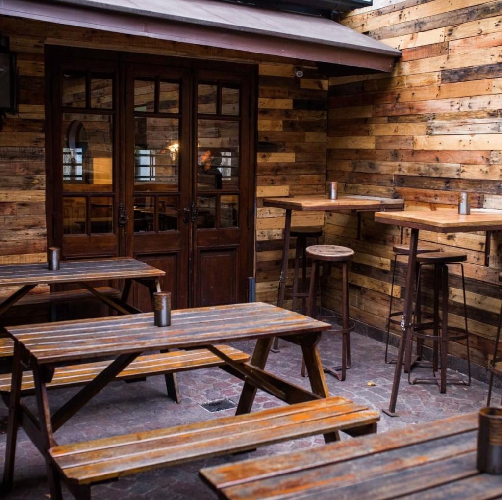 Brukbar buenos aires bar palermo local bar bartender trago drink cocktailsdecor outdoor seating